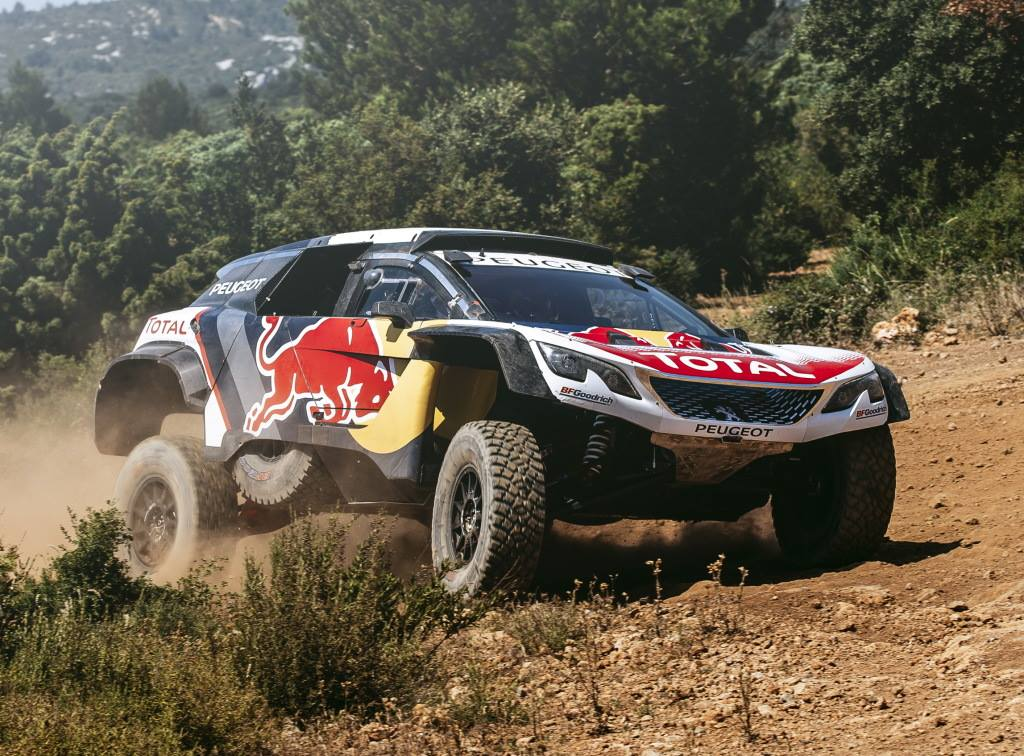 Peugeot-3008-DKR-2017-1