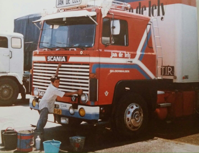 Scania-van-Jos-krijgt-een-was-beurt