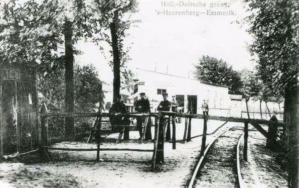 s-Heerenberg-van-de-tram-zutphen-emmerik-in-1910