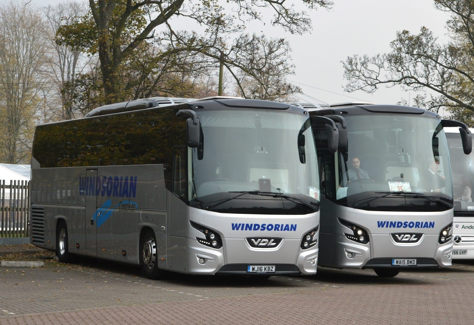 Windsor-03-11-2017--London-Mini-Coaches-VDL-FHD2