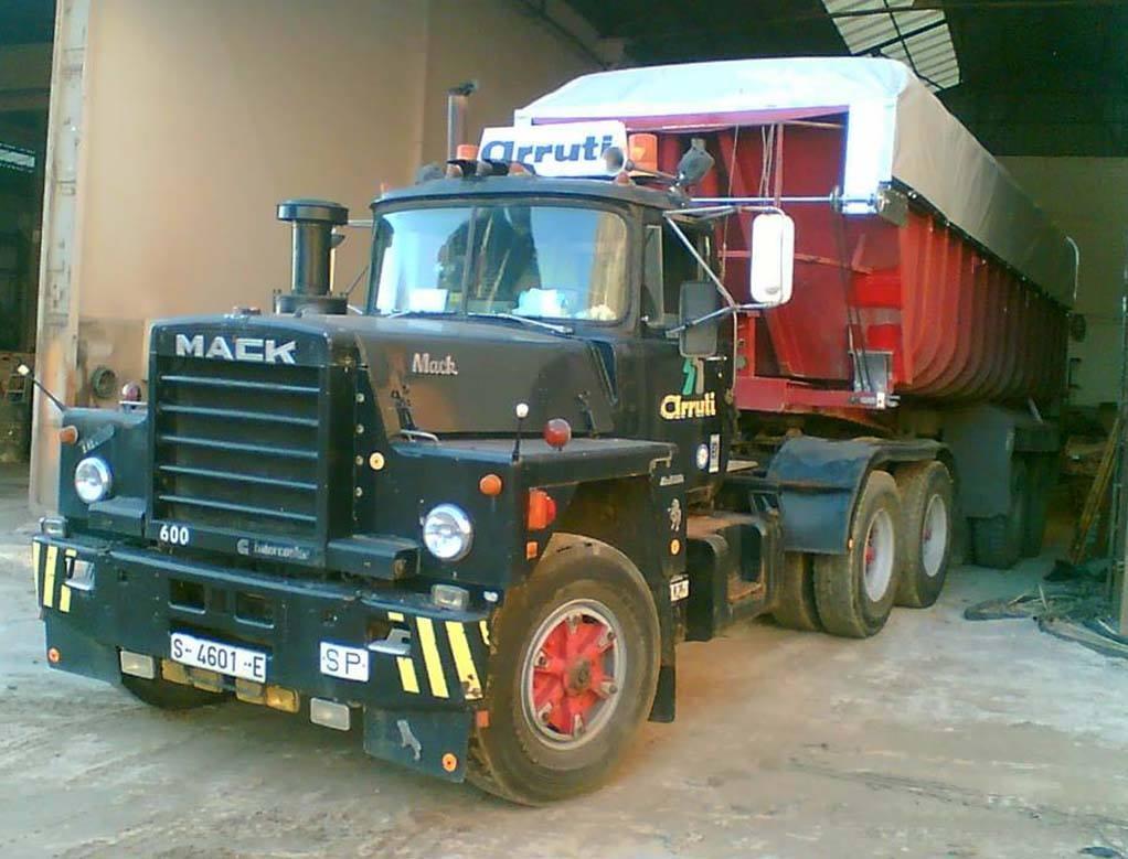 Mack-6X4-Aruti-Transport-Cantabria