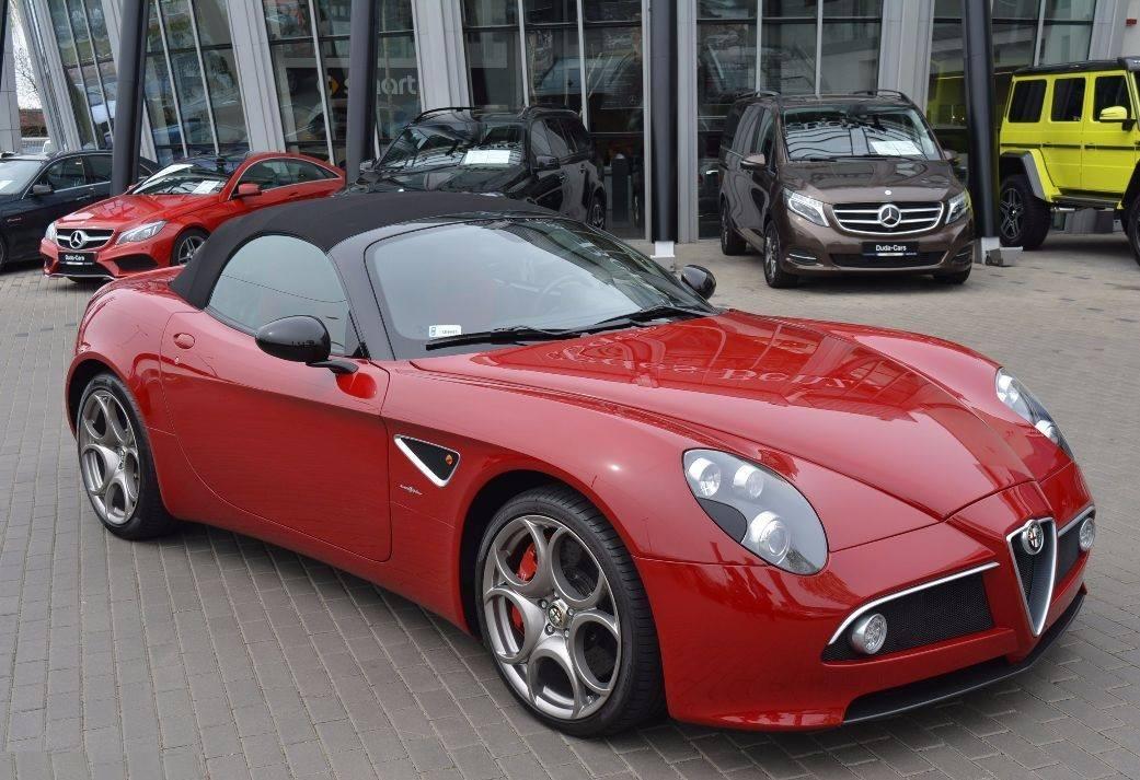 Alfa-Romeo-8C-8C-Spider-2009-1