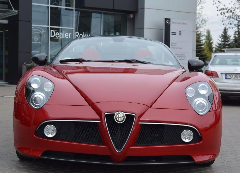 Alfa-Romeo-8C-8C-Spider-2009-4