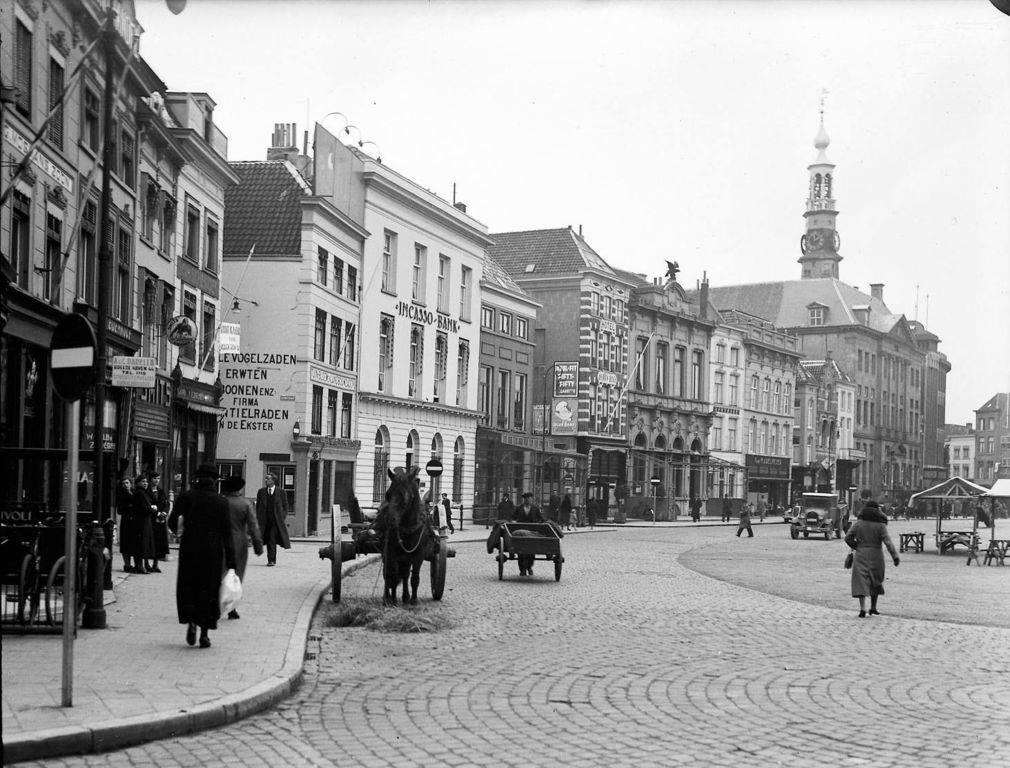 1935--s-Hertogenbosch-Markt