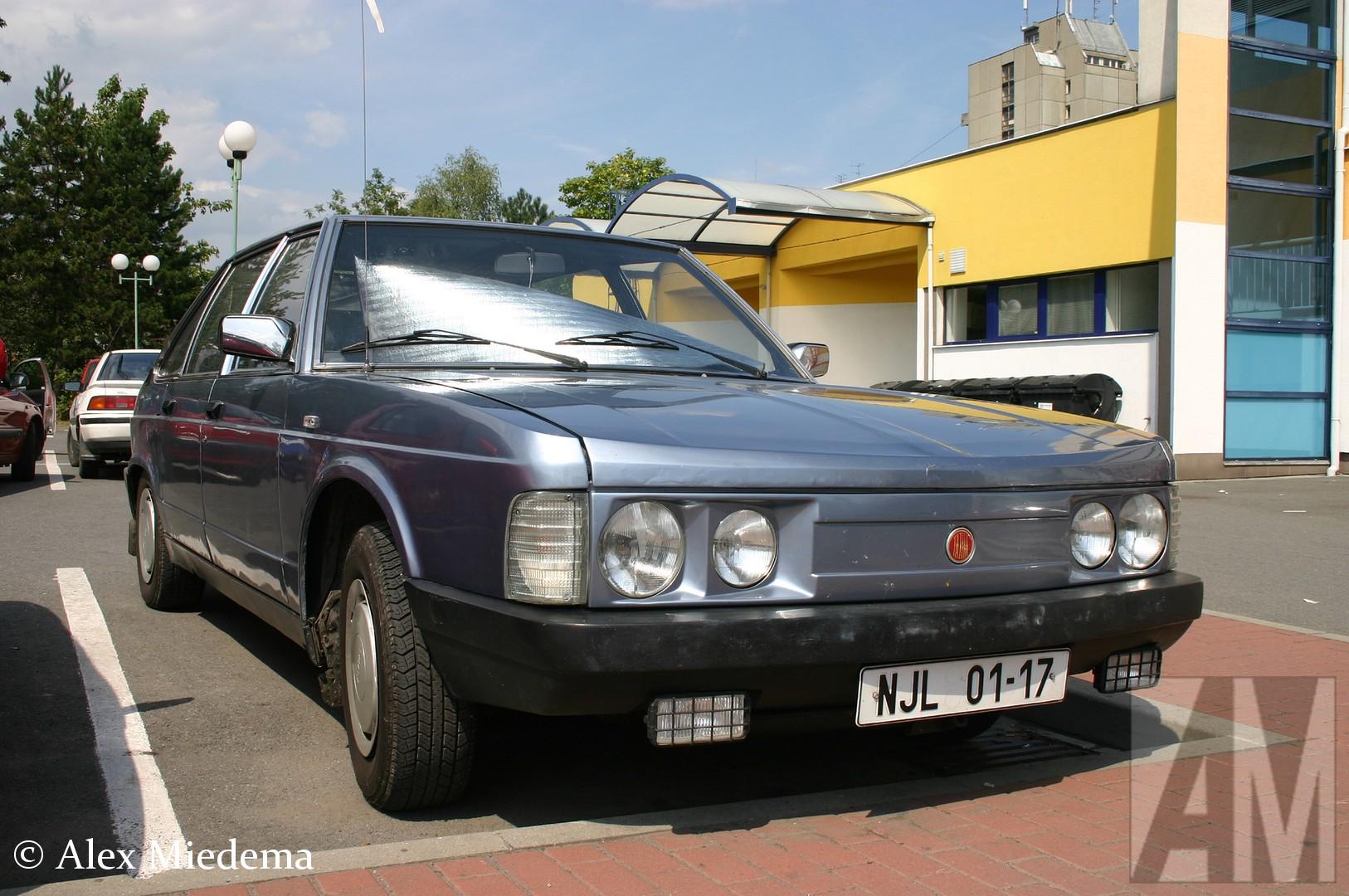Tatra-T613