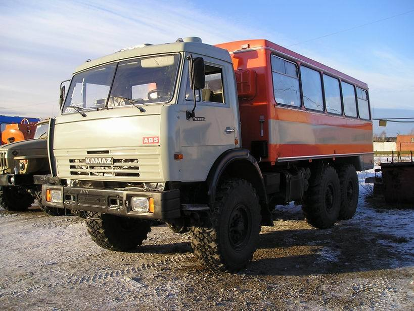KAMAZ-6x6-Bus-Truck