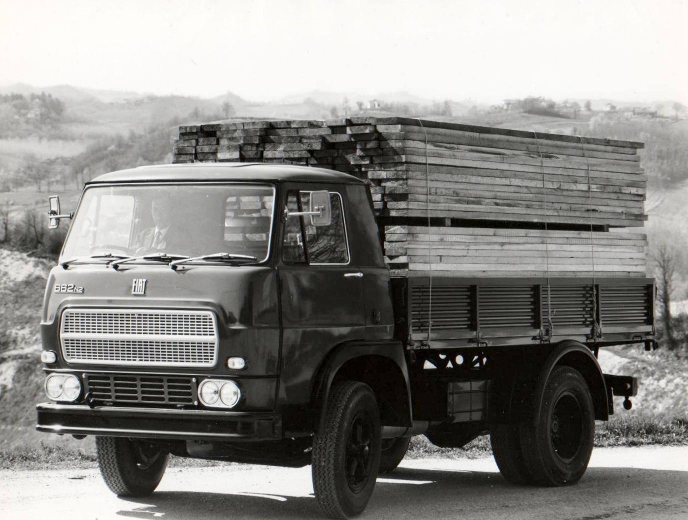 FIAT--662-N2
