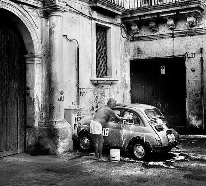 Fiat-500-in-bad