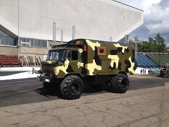 GAZ-66-4x4-Camper-Truck