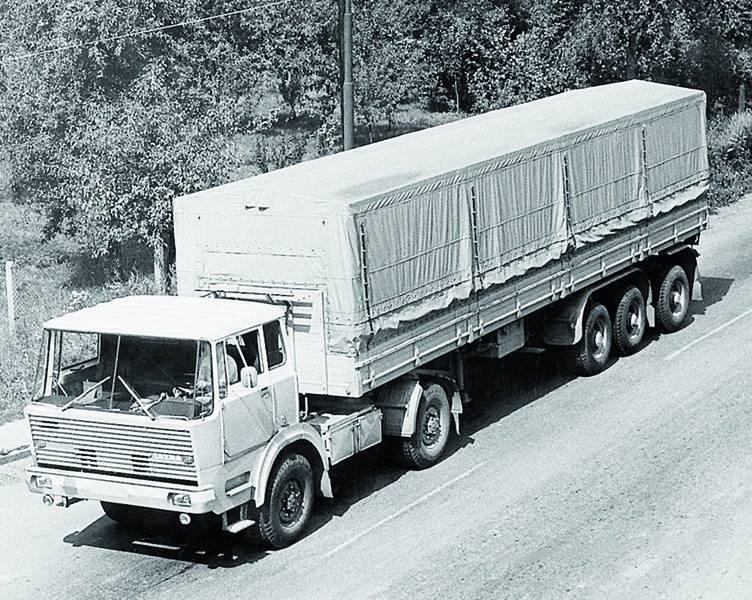 Tatra-813-prototyp