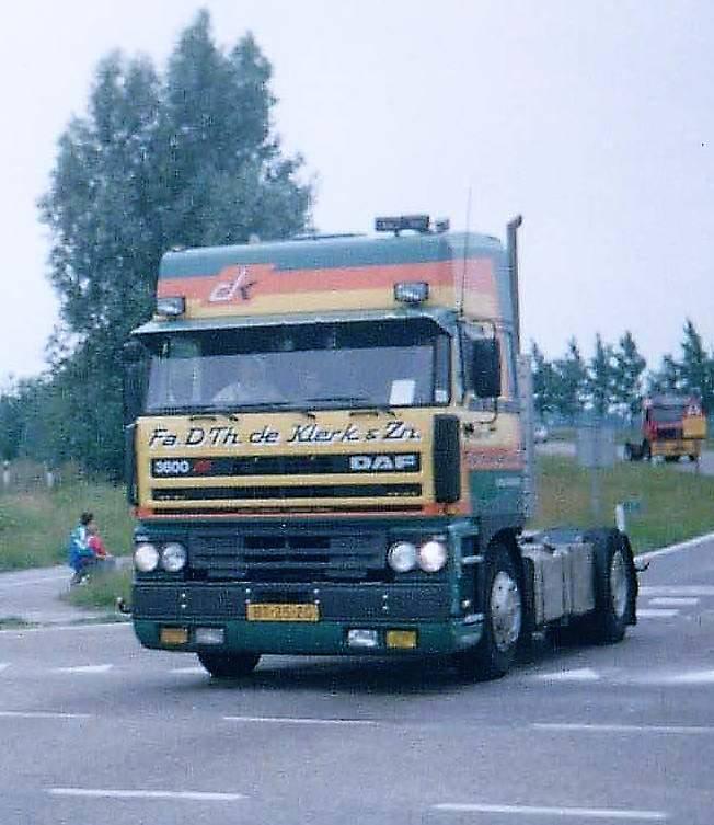 Zoon-Tom-zat-in-1994-op-de-Estonia