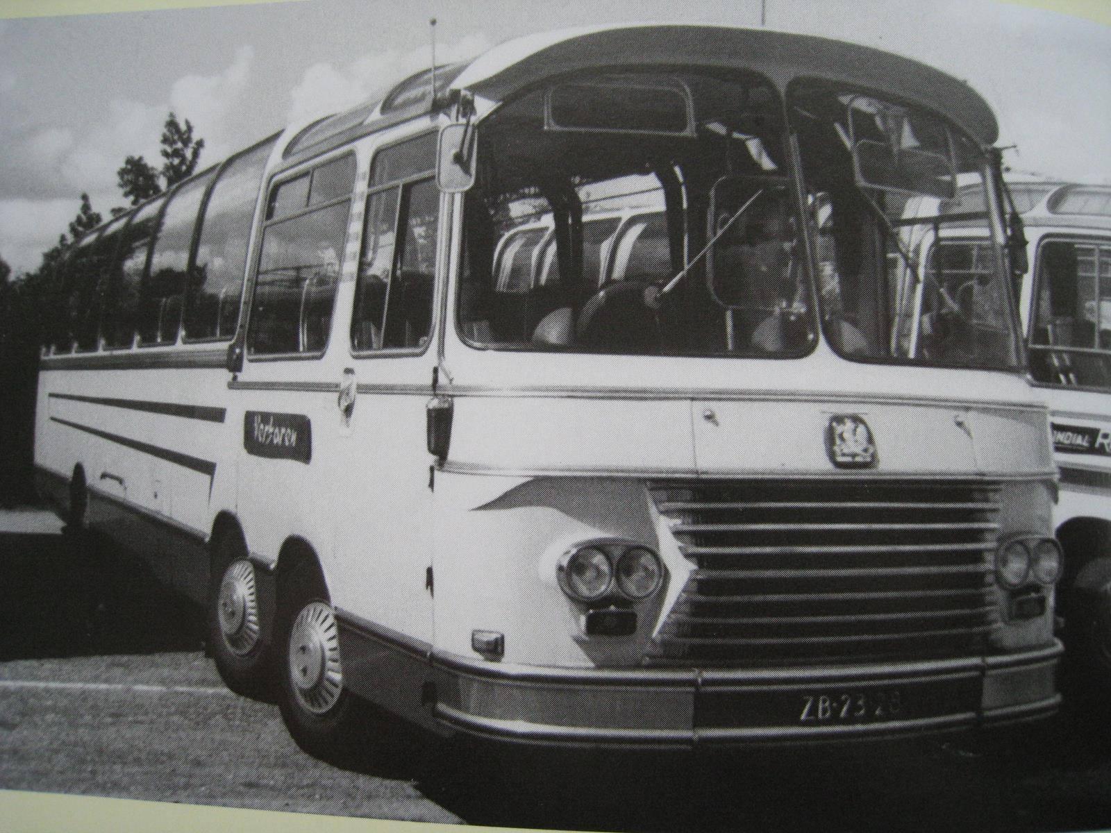 Bedford-6X2-Gerard-Vreijsen-Verharen-Rijen-touringcar