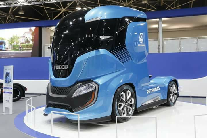 Iveco-Truck-1