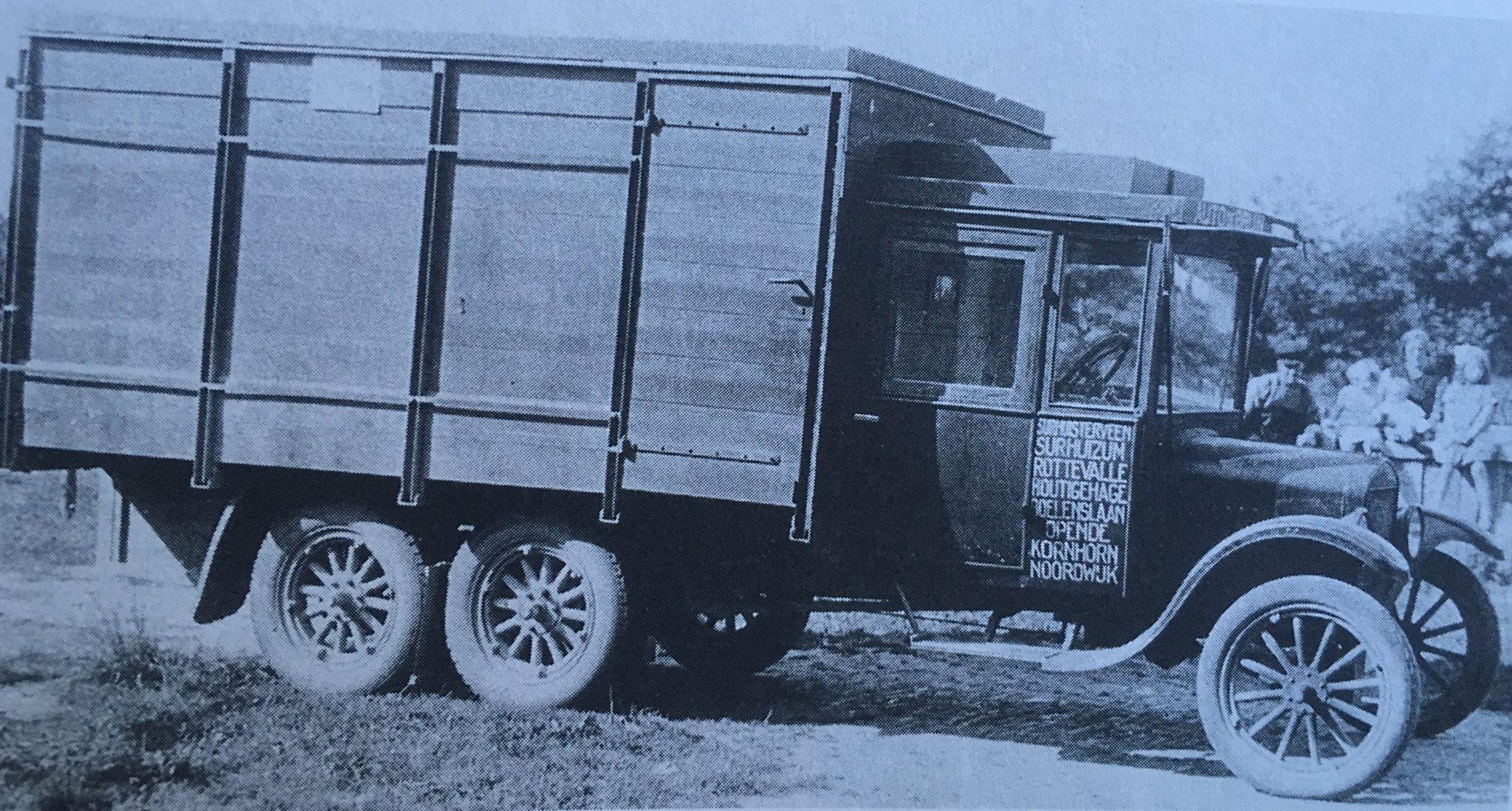 een-van-de-eerste-vrachtwagens