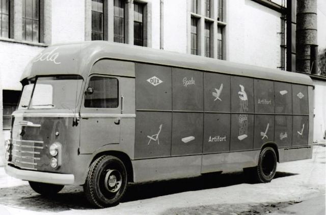 Artifort-Kasten-wagen