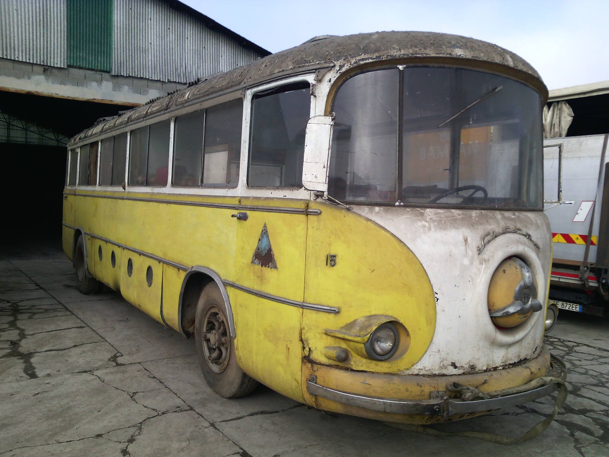 Alfa-Romeo-Coach-2