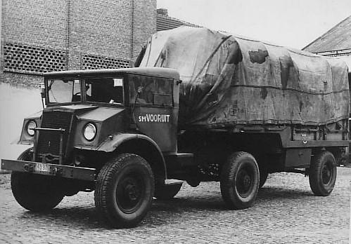 Dumper-van-na-de-oorlog-misschien-een-Chevrolet