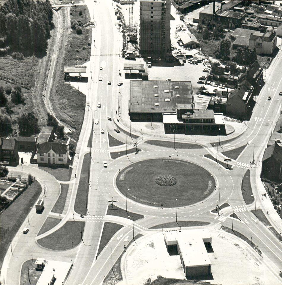 1963-eerste-steen-voor-de-nieuwe-garage-bij-de-rotonde-bij-de-Schelsberg