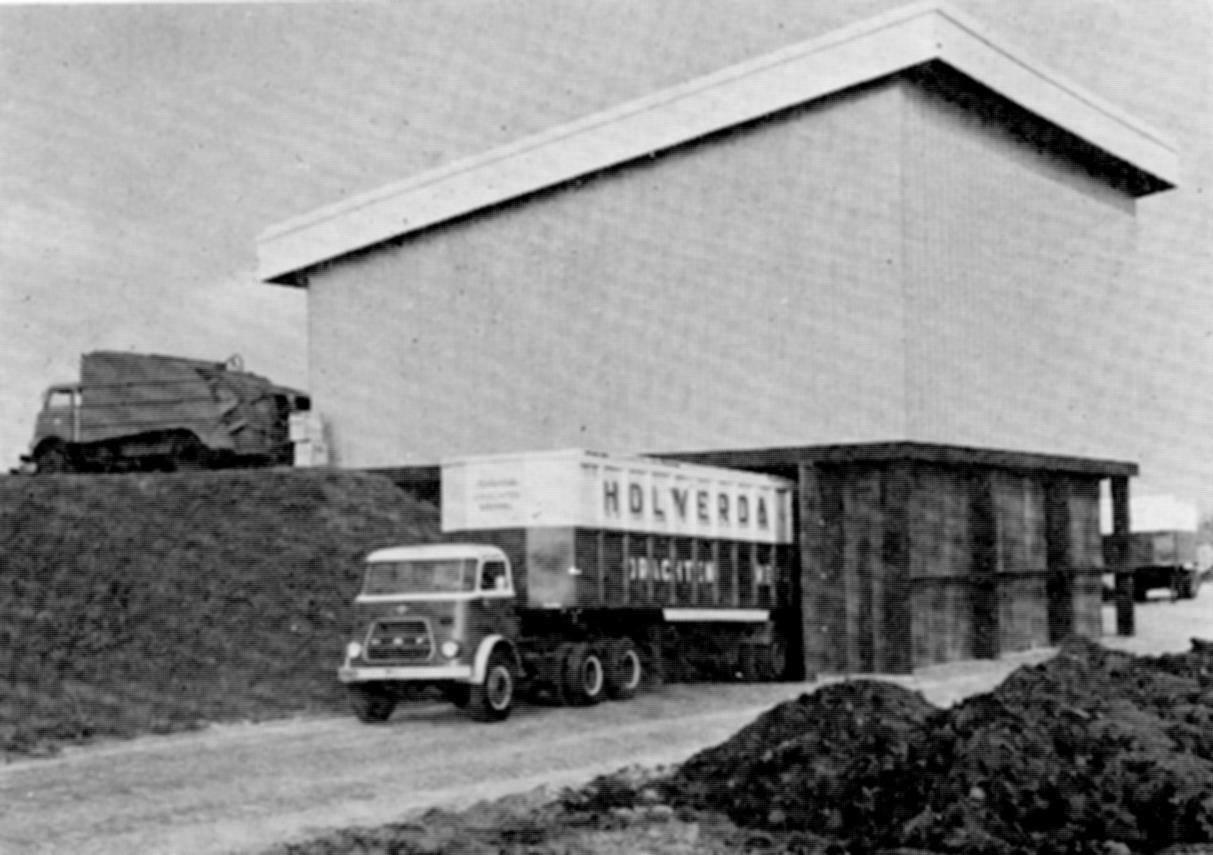 Daf-bij-het-vuilstort-Piet-Hut-archief