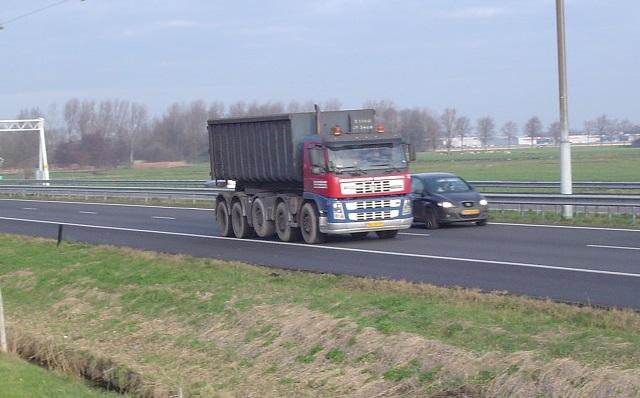 Volvo-10X4