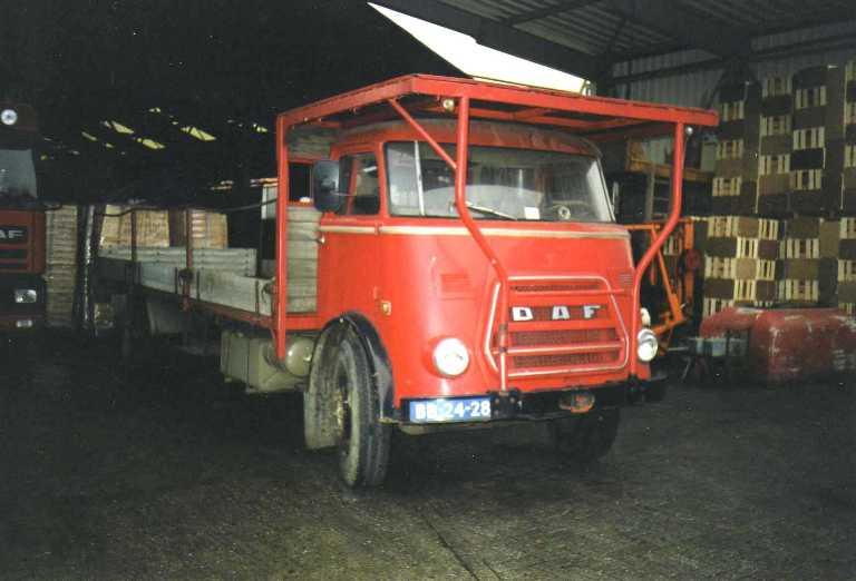 daf-voor-melk-en-stro-transport