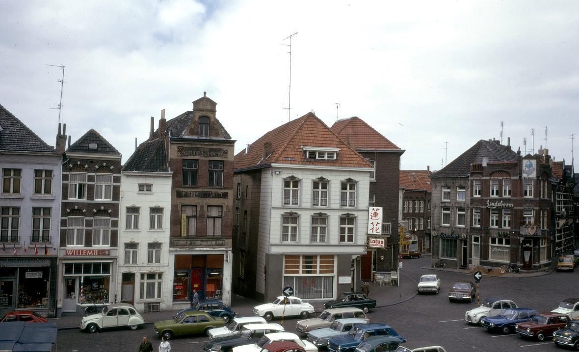 1975-Roermond-Markt