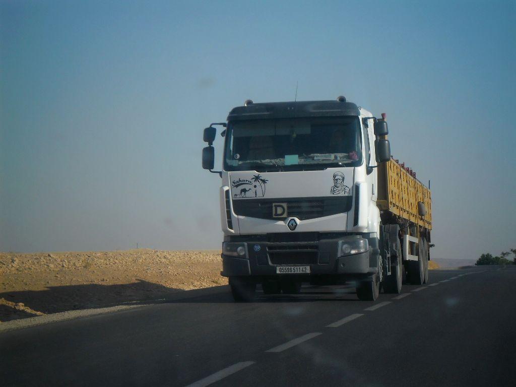 23_8_2012-RN23-Aflou_Laghouat-Sougueur-Tiatet-1-Renault