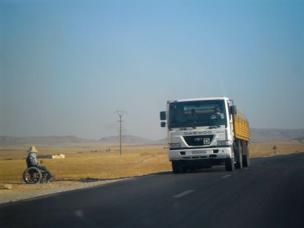 23_8_2012-RN23-Aflou_Laghouat-Sougueur-Tiatet-3-Daewoo