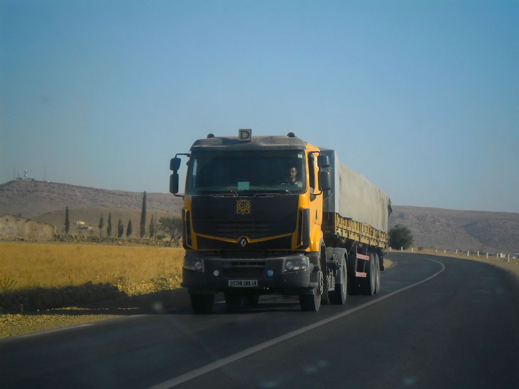 23_8_2012-RN23-Aflou_Laghouat-Sougueur-Tiatet-5-Renault