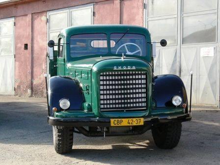 SKODA-706-BJ-1952