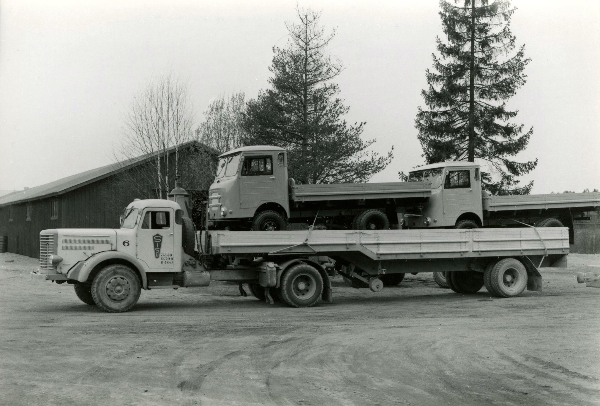 Sisu-Trekker-diesel-31--lading-is-2-X-Sisu-24-1954
