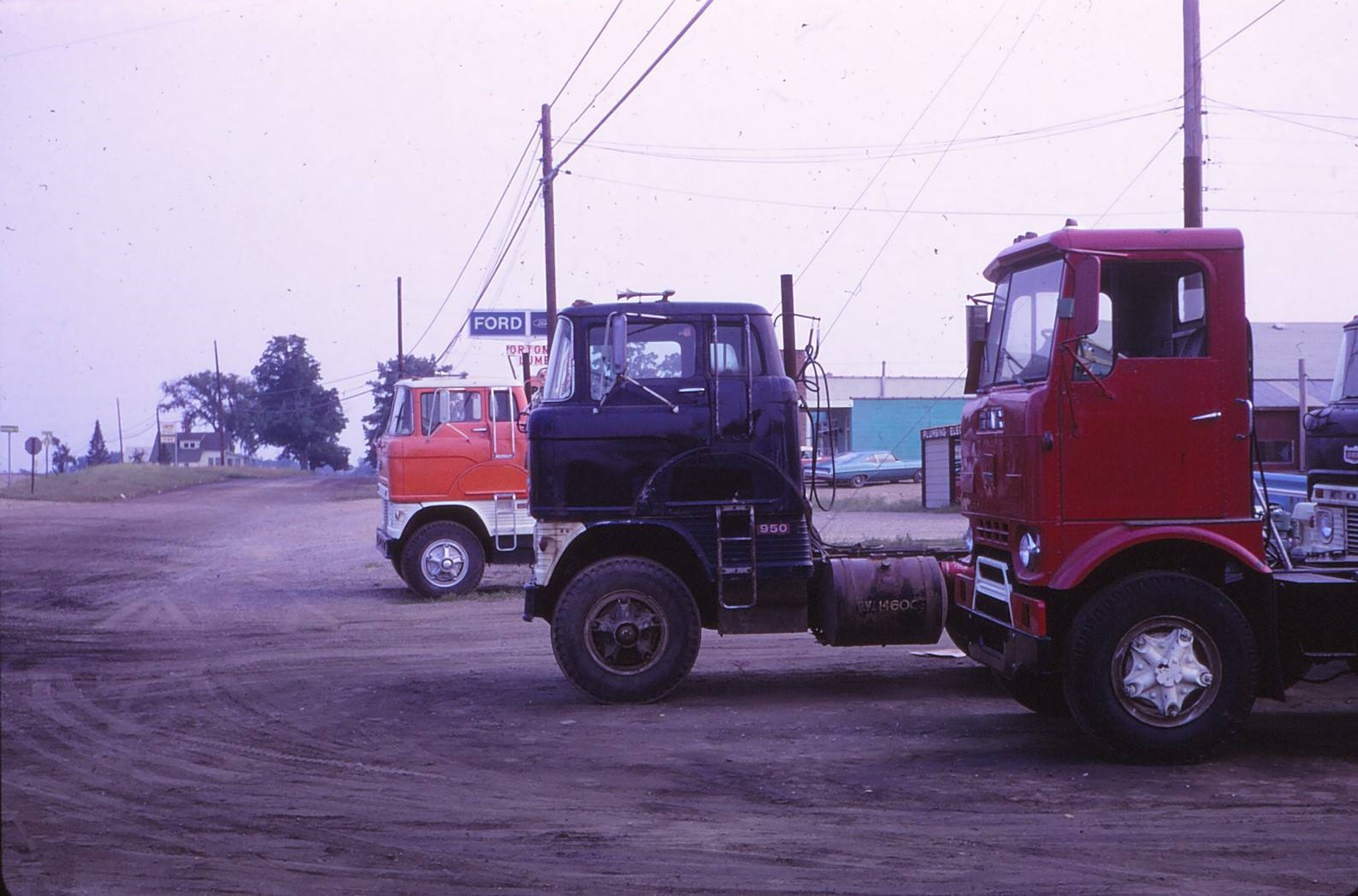 pethick-Trucking-1960--Falcon-truck--Ronald-Pethick-JR-Archive-2[1]