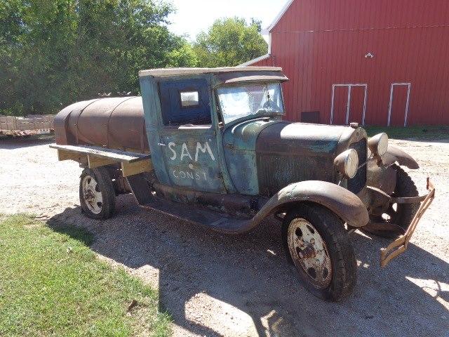 1929-Ford-Model-AA-Tanker-Truck-2