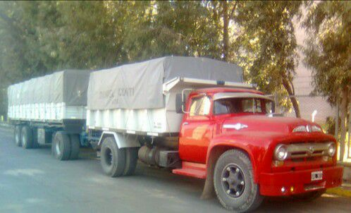 Ford-900-_Argentina