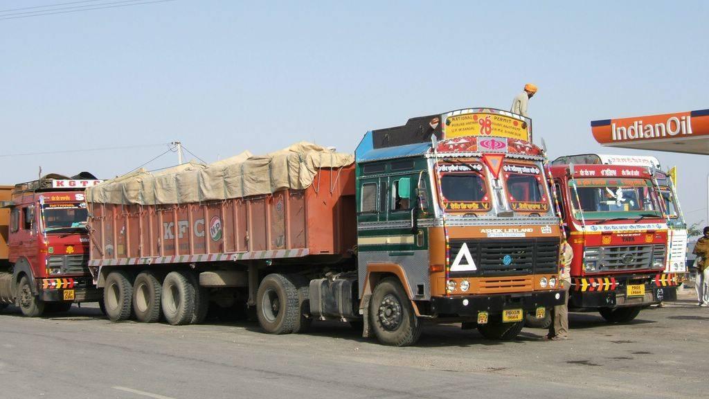 Ashok-Leyland-1