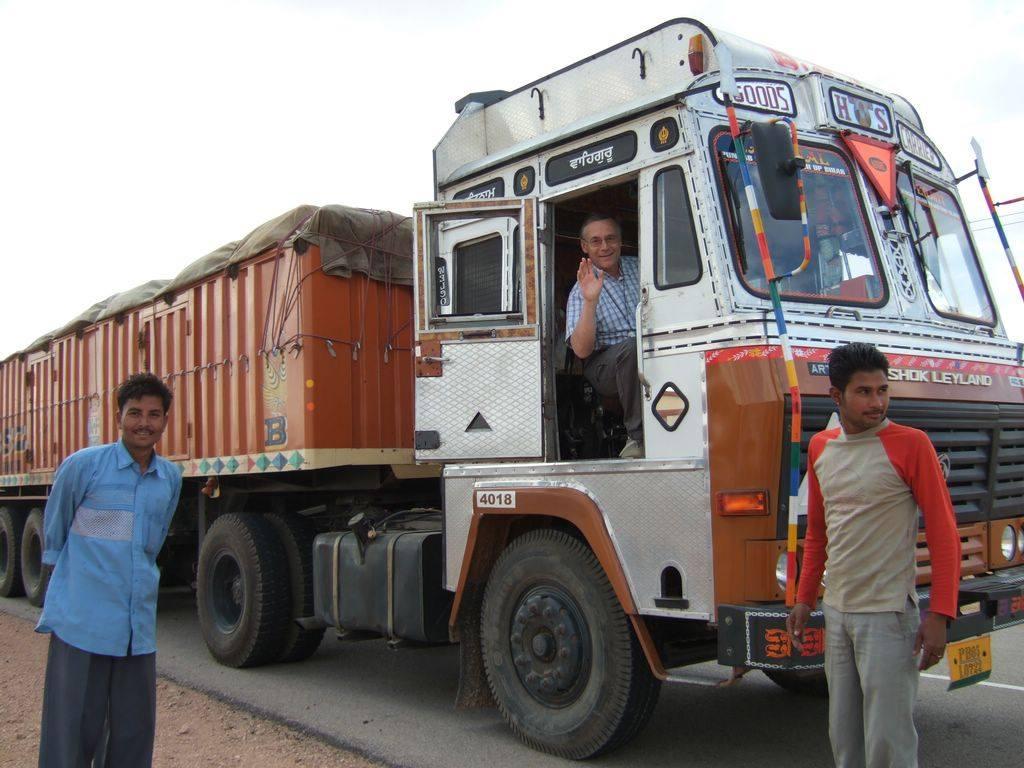 Ashok-Leyland-2