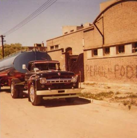 Ford---900-mod-57-tank-36000-lts-Argentino