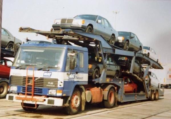 Volvo-car-transport