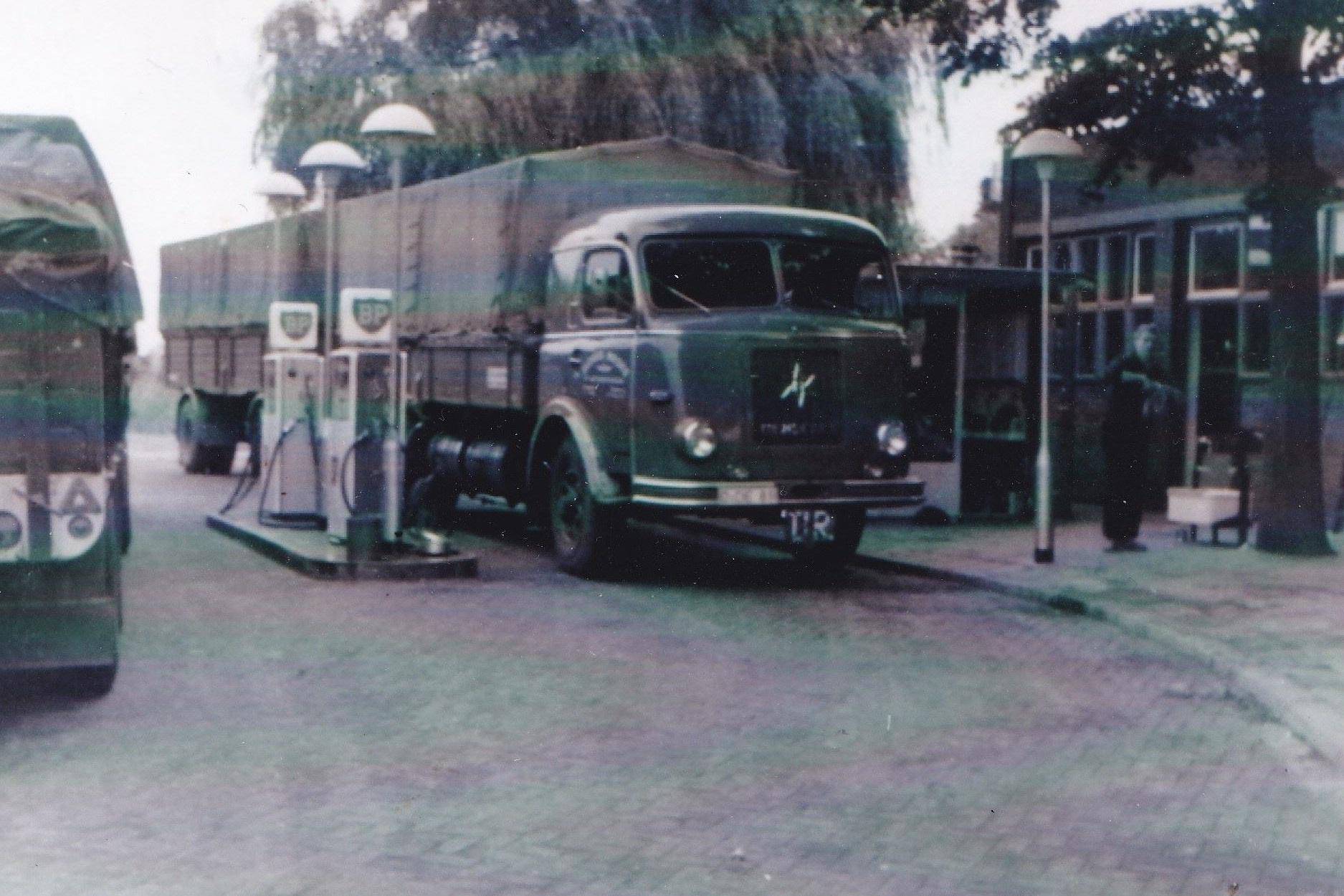 Henschel-Maske-transport--Bruggen-Bracht--Grens-Heidenend-Tegelen