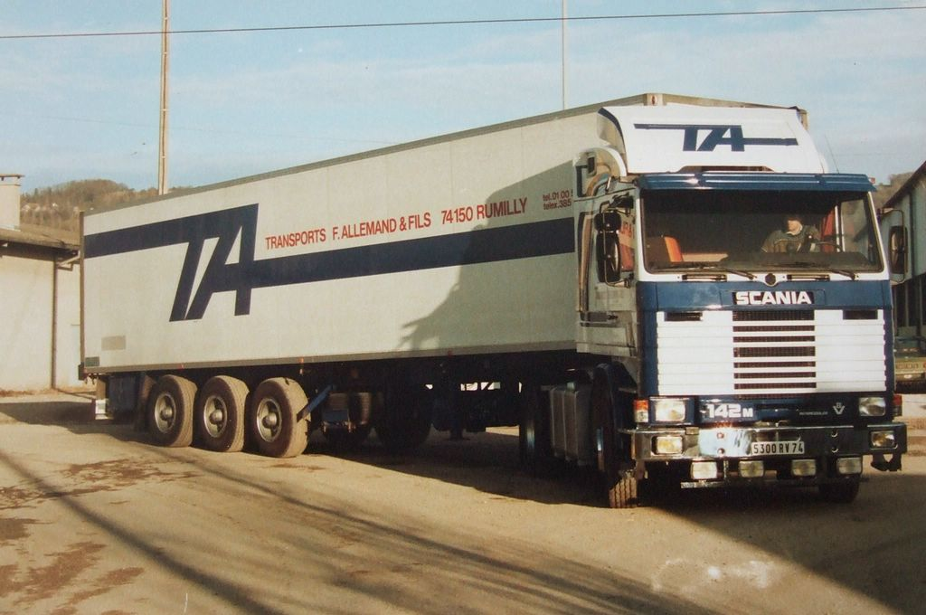 Scania-142-V-8