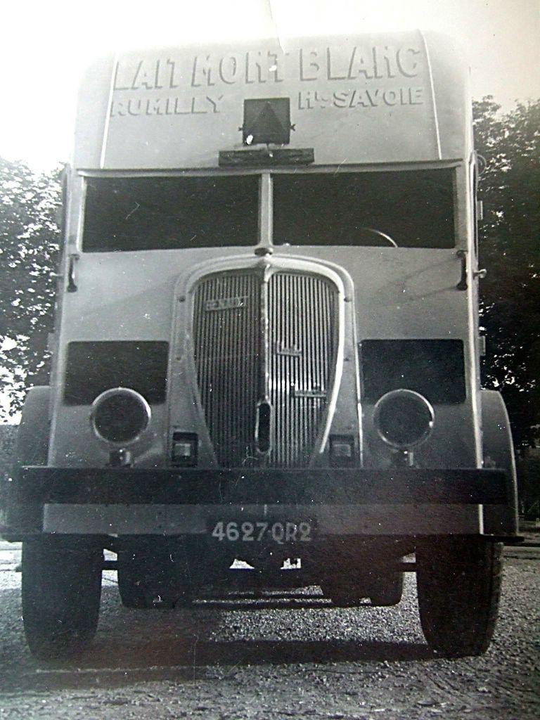 Renault-carrosserie-integrale--le-papy-de-l-AE
