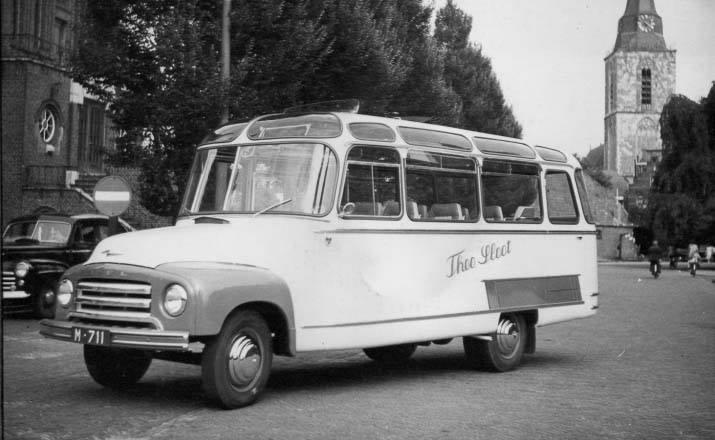 Opel-Blitz-Nr-8-Theo-Sloot-Winterswijk-Carr-Hoekstra-17-zitplaatsen-1953