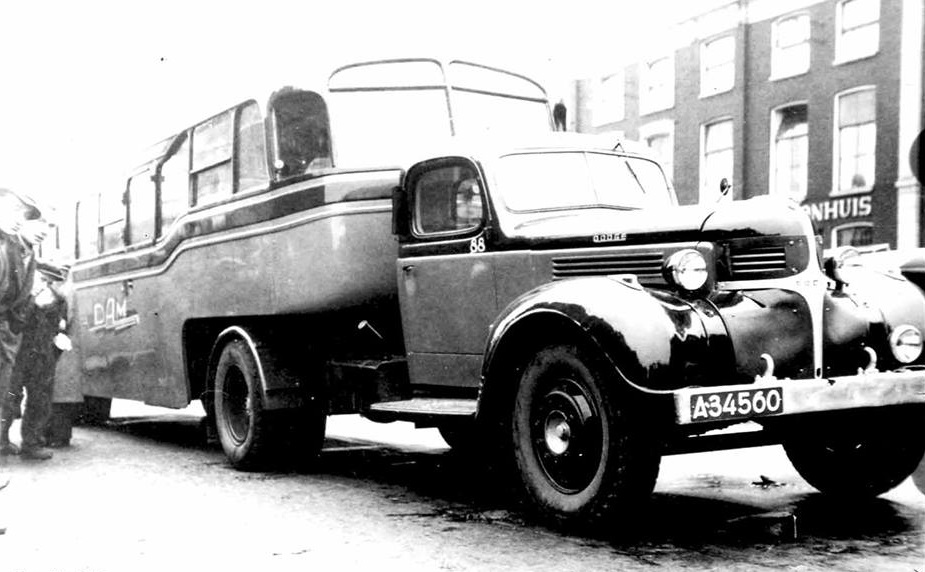 DAM-Appingedam-nr-88-1946-Trailer-Bus-foto-Henk-Zeeman