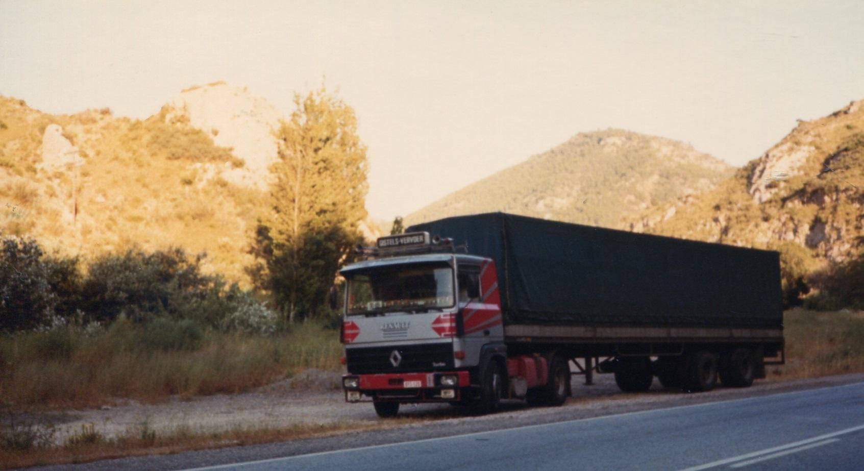 Renault-met-zwalve-opl-in-Spanje