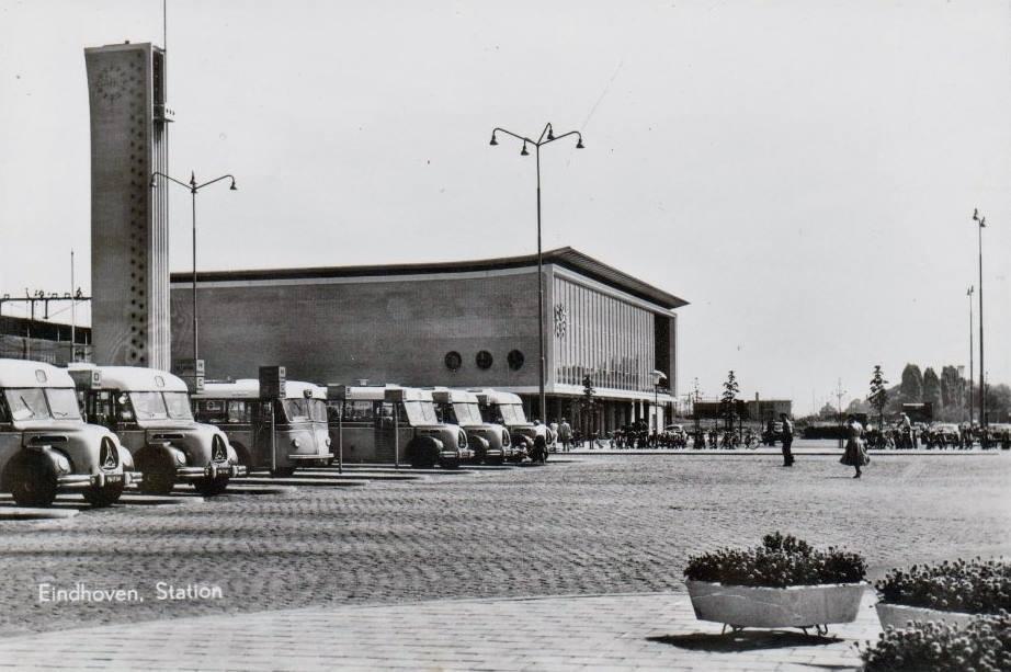 Eindhoven-jaren-50-Stationsplein