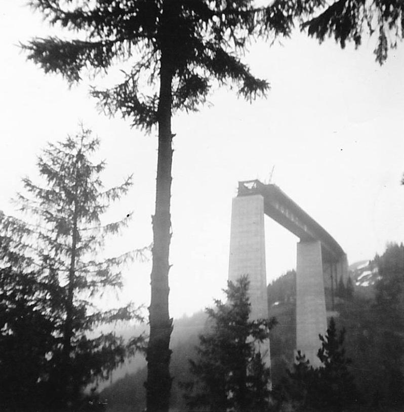 Rinus-maakte-deze-foto-van-de-europabrucke-in-aanbouw