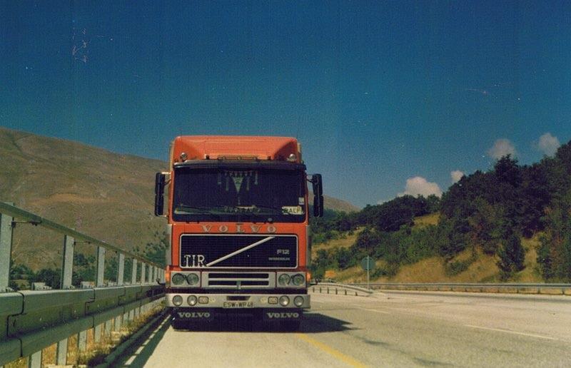 1988---Abruzzo-auf-der-A25-zwischen-Avezzano-und-Pescara-in-der-Nahe-von-Popoli
