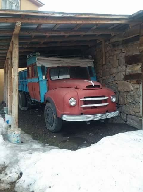 BMC-1963-Half-bus-half-truck-in-het-oosten-en-aan-de-zwarte-zee