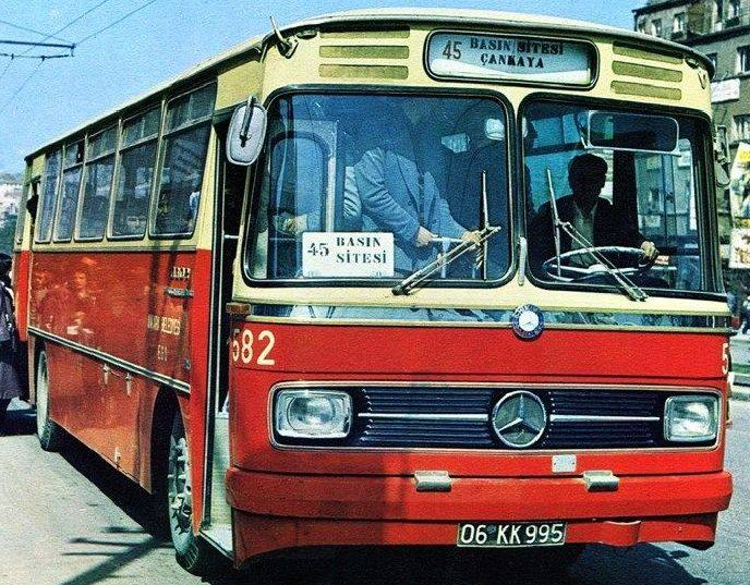 Mercedes-Benz-0302-1975