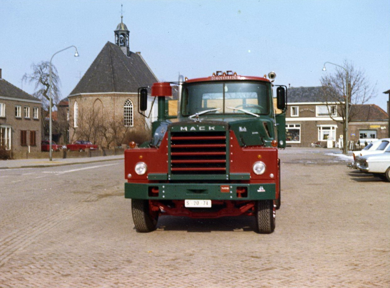 Hendriks-Lobith-DM609-S2074